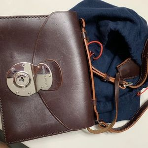 Dooney & Bourke cross body! Genuine leather!